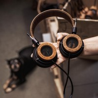 How A Tiny, domestic-Run Headphone Maker became A Cult favorite Of Neil young, Aerosmith, And Spike Jonze