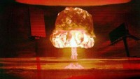 "Google And Yahoo's Feud With advert-blocking firm Goes ""Nuclear"""