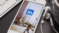 LinkedIn cautiously brings video to its feed