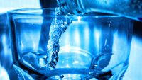 Can Drinking 8 Glasses Of Water A Day Make You More Productive?