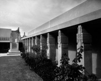 Frank Lloyd Wright's Hollyhock house To Reopen
