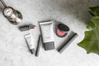 the new Purse-pleasant Cosmetics Startup that's Gunning for big make-up