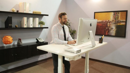 This Desk Reminds You to face Up when you've Been Sitting Too lengthy–after which It Orders You Lunch