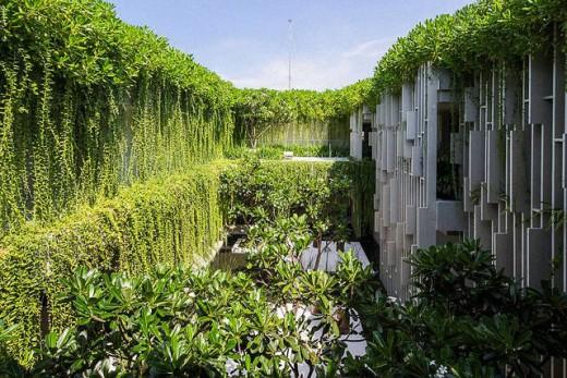 Lush Spa In Vietnam Hanging Gardens of Babylon | DeviceDaily.com