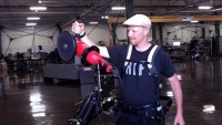 This Industrial Exoskeleton Helps employees raise Their hundreds