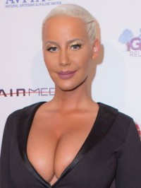 Amber Rose Wears Revealing Swimsuit; Attacks Khloe Kardashian For Dating James Harden