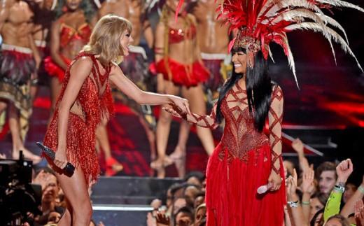 Nicki Minaj Opens MTV VMAs With Taylor Swift; Throws Insult Response To Miley Cyrus