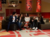 Vanessa Hudgens Reunites In High School Musical Telecast Along With Ashley Tisdale