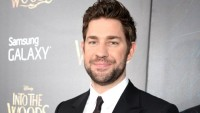John Krasinski Sat Awkwardly on the Golden Globes Alongside Leonardo DiCaprio