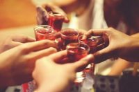 This is How Many College Students Drink Alcohol and Smoke Pot