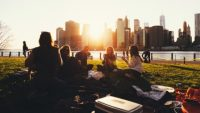 Six Habits Of People Who Make Friends Easily