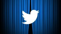 Twitter will hand out awards to spark advertiser interest, investment