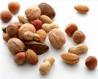 Eating a Handful of Nuts May Prevent Major Diseases