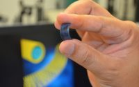 New battery tech lasts for days, charges in seconds
