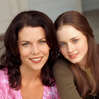 'Gilmore Girls' Stars Lauren Graham & Alexis Bledel Need 'Good Reason' To Return; Check Out What It Is!