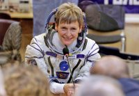 Peggy Whitson breaks the US record for cumulative time in space