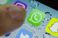 Siri now reads out your WhatsApp messages