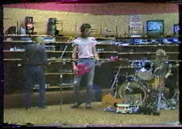 Newly Unearthed Nirvana VHS Tape Shows How They Got Creative When They Were Broke | DeviceDaily.com