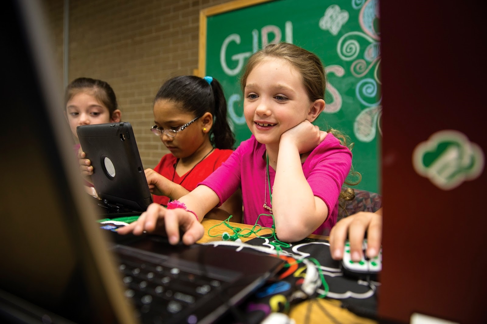Girl Scouts can start earning cybersecurity badges in fall 2018 | DeviceDaily.com