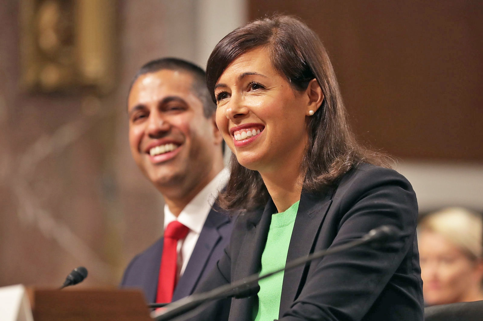FCC back at full strength after Senate appoints two new members | DeviceDaily.com