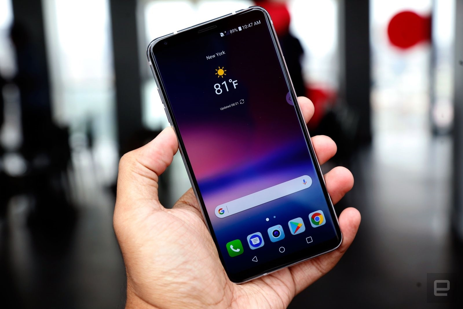 LG V30 hands-on: The phone the G6 should've been | DeviceDaily.com