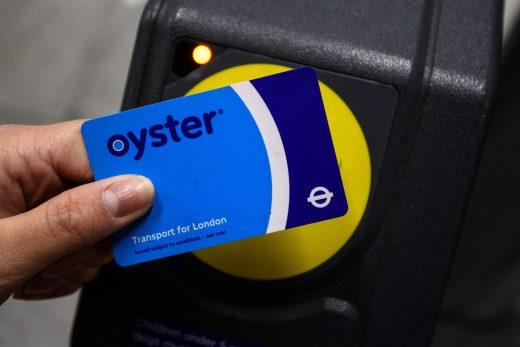 Oyster card app simplifies top-ups in London