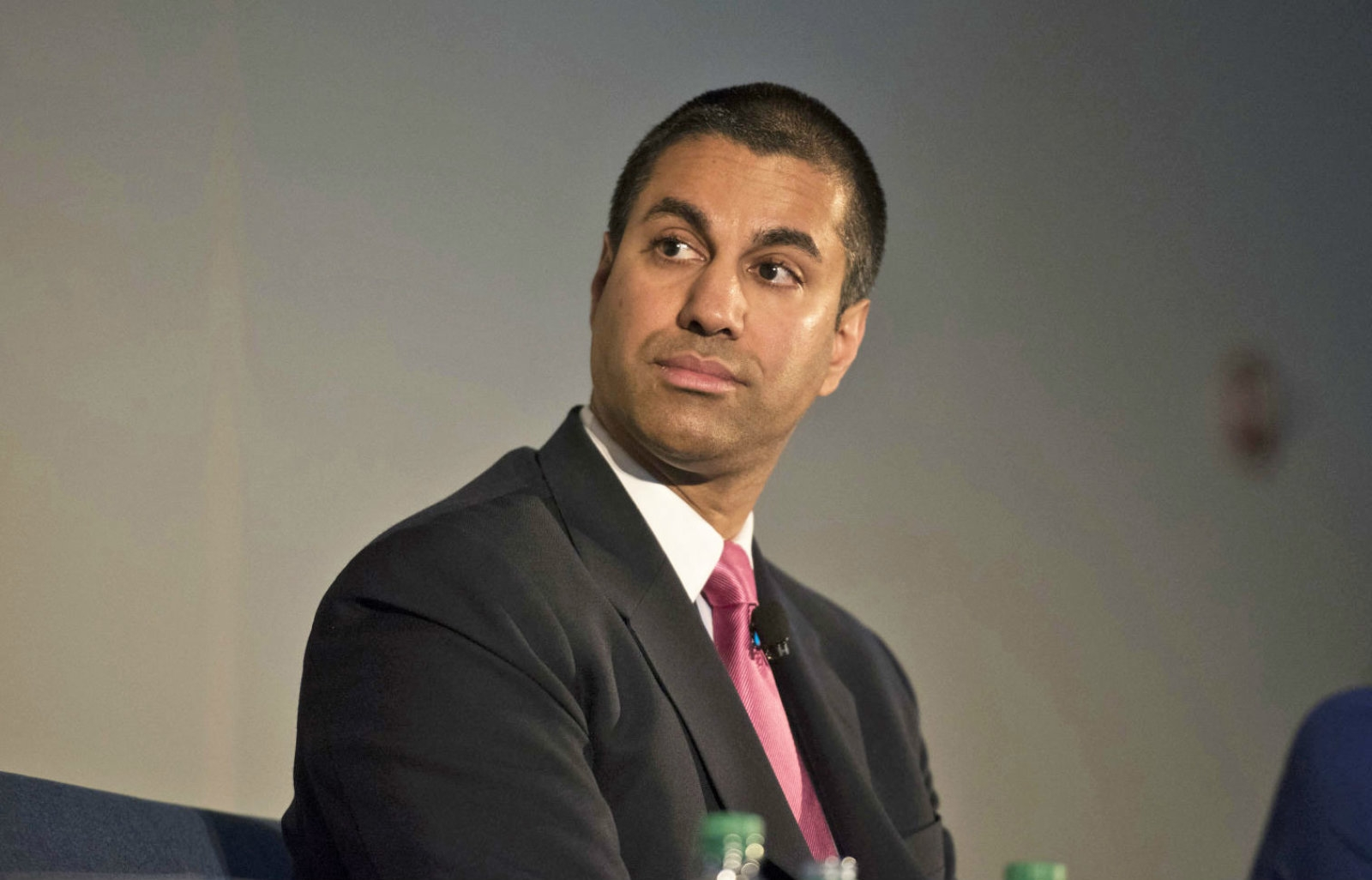FCC: Local TV and radio stations don't need local studios | DeviceDaily.com