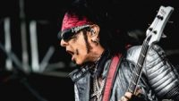 Motley Crüe's Nikki Sixx weighs in on the opioid crisis