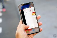 Apple reminds iPhone X owners they're using an OLED display