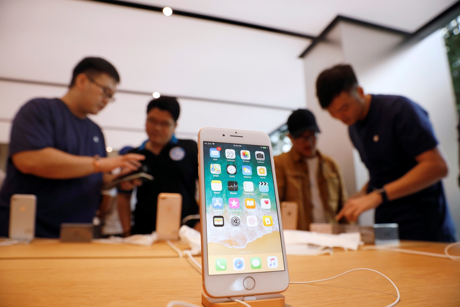 Best Buy bets you'll pay $100 extra for an iPhone X | DeviceDaily.com