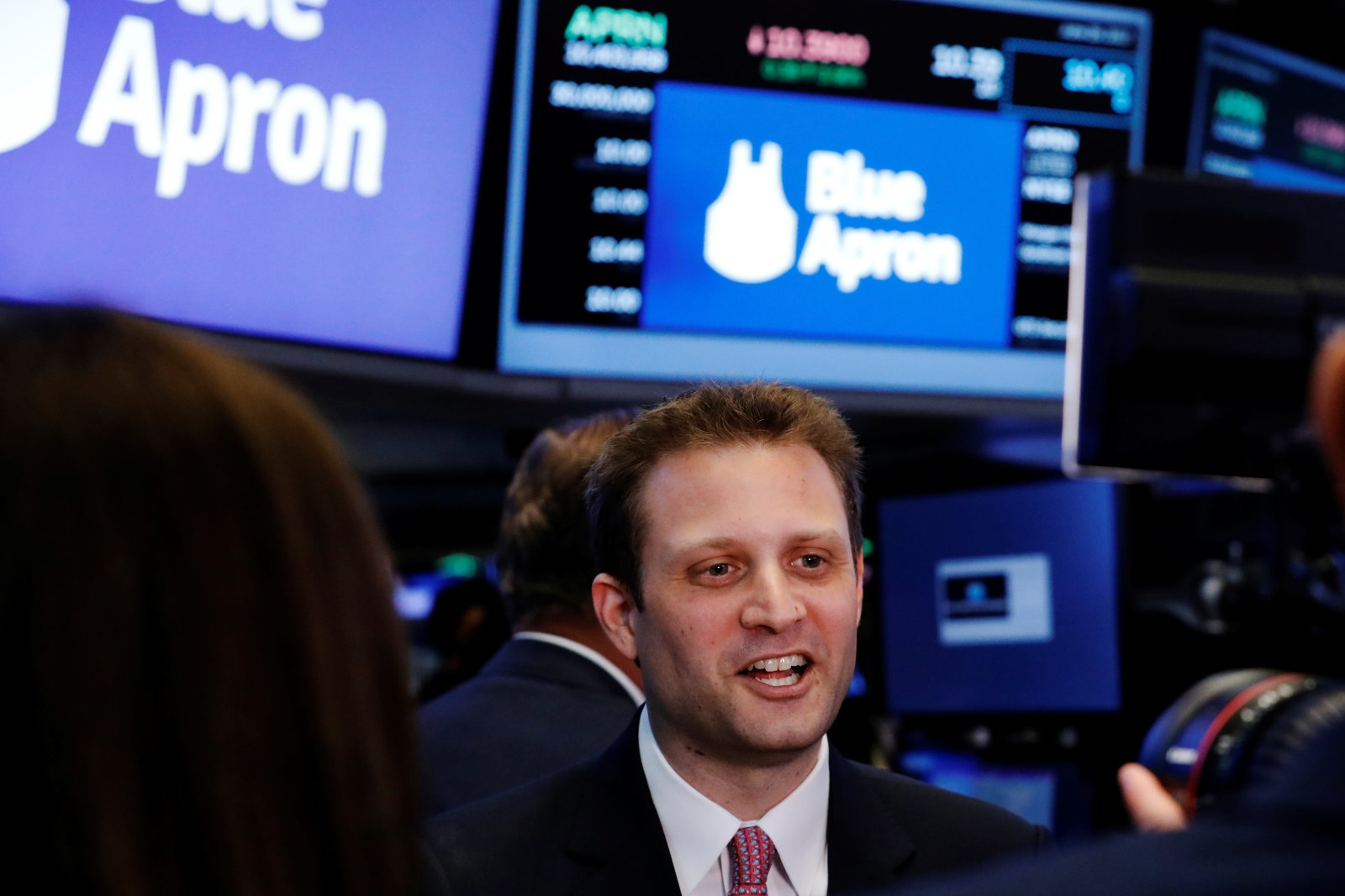Blue Apron co-founder steps down as CEO | DeviceDaily.com