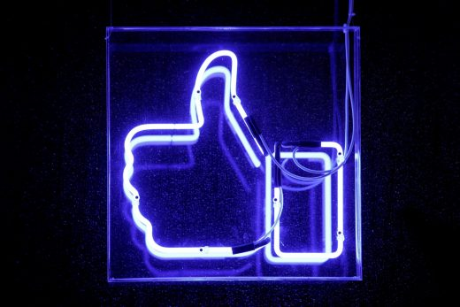 Facebook's 'snooze' button mutes a friend for 30 days