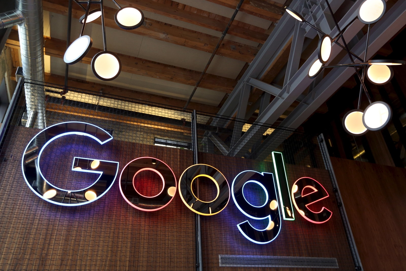 Google won't show news from sites that hide their country of origin | DeviceDaily.com