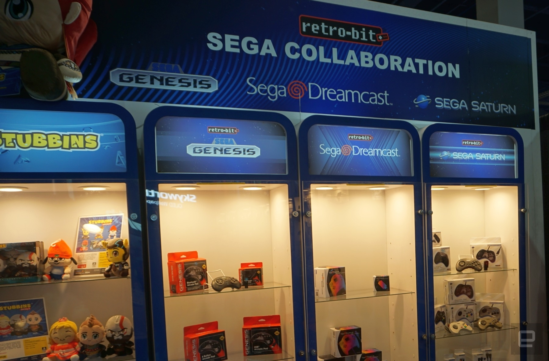 Retro-bit brought brand-new Sega accessories to CES | DeviceDaily.com
