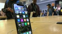 Apple Bet That We'd Pay More For Phones. It Was Right