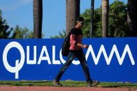 Broadcom hopes to woo Qualcomm with a higher takeover bid
