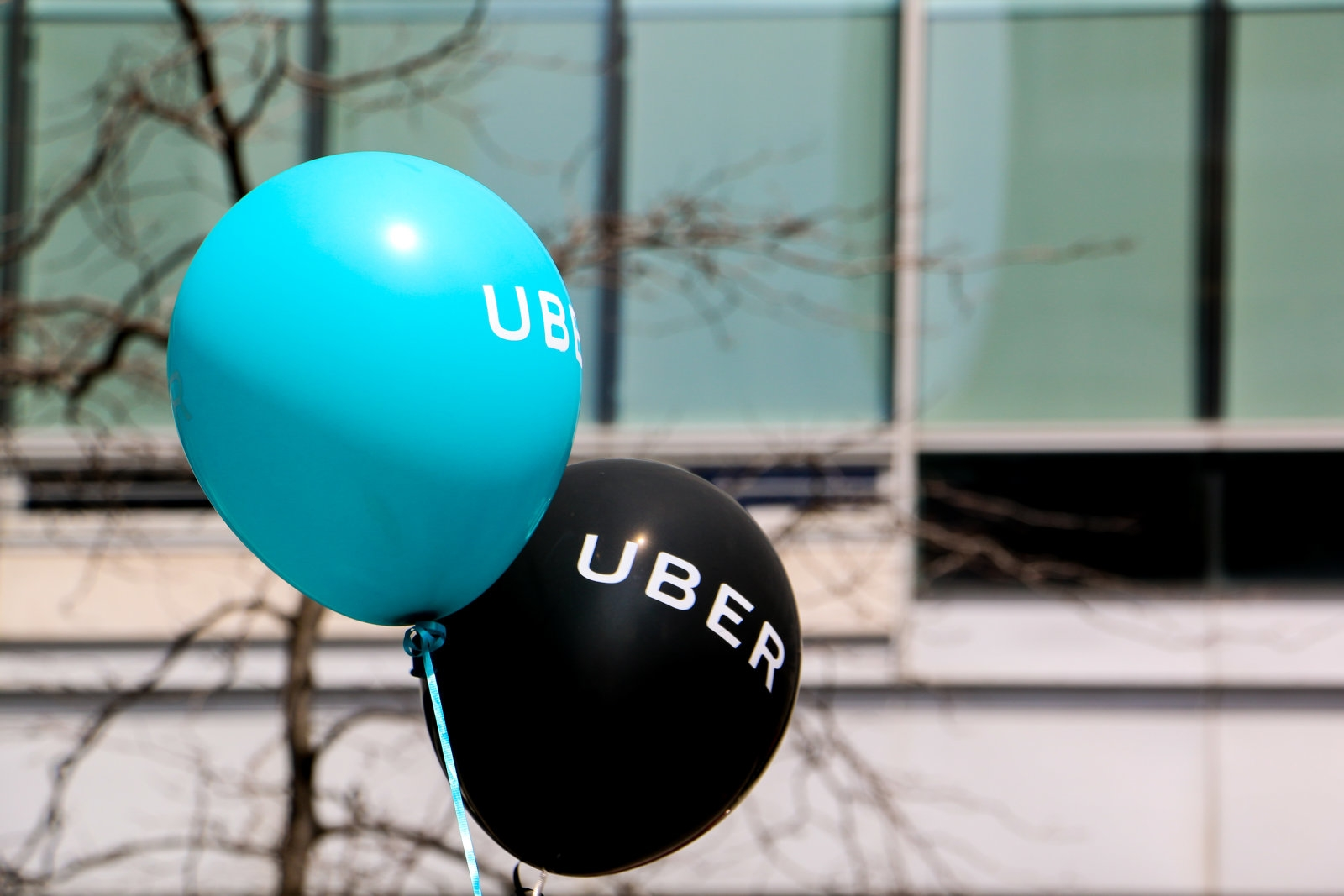 Uber hopes to win back London with a 24/7 helpline | DeviceDaily.com