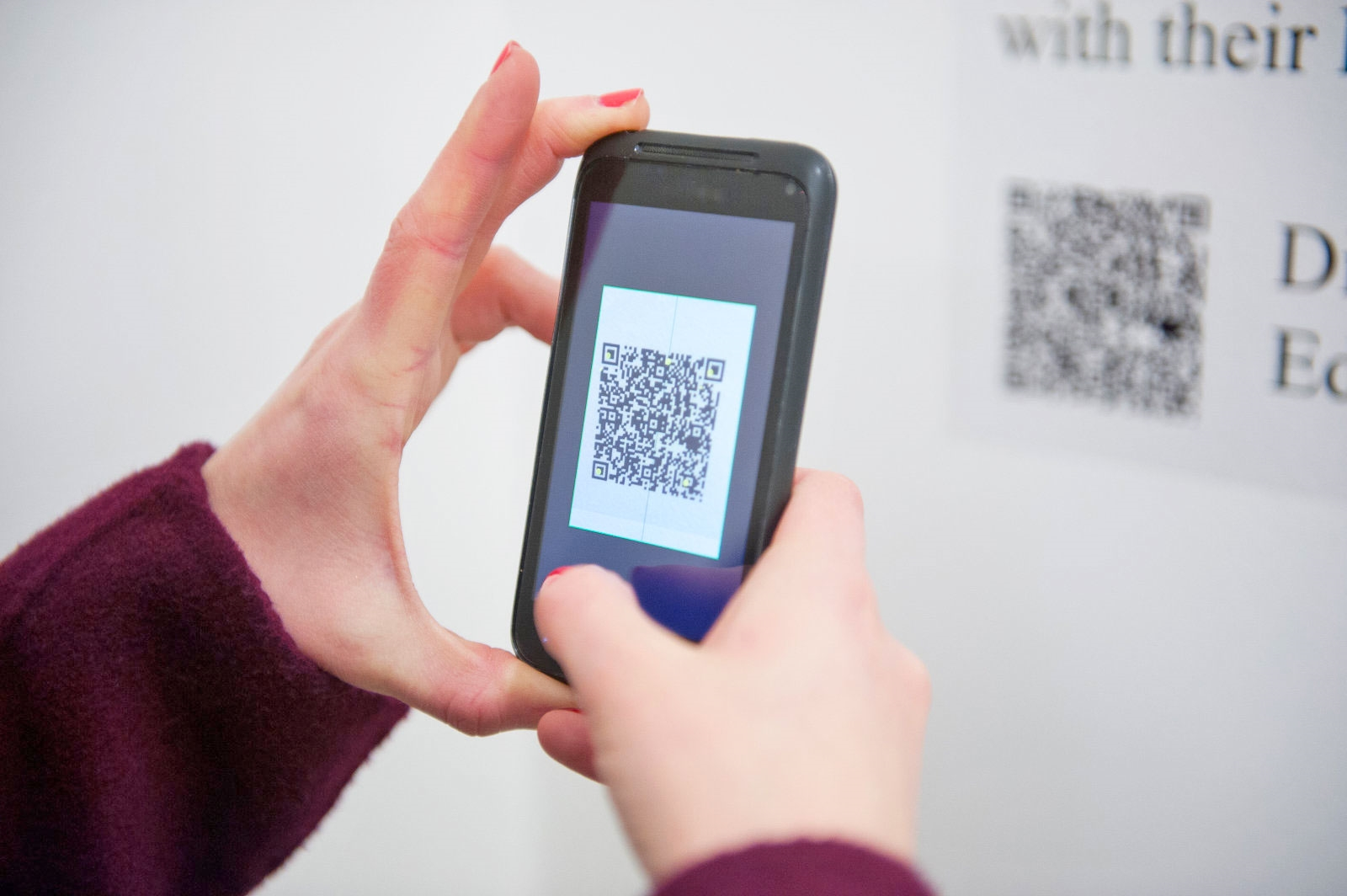 Android malware found inside seemingly innocent QR code apps | DeviceDaily.com