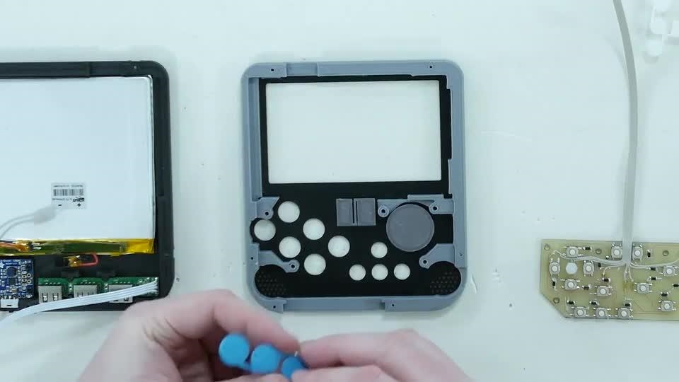 Ben Heck made a portable Raspberry Pi-based gaming device | DeviceDaily.com