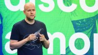 Here's how Spotify's stock price did on its first day of trading