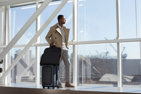 6 Carry-On Bags That Will Make Business Trips Less Stressful | DeviceDaily.com