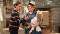 "ABC cancels ""Roseanne"" reboot after Roseanne Barr's racist tweet"