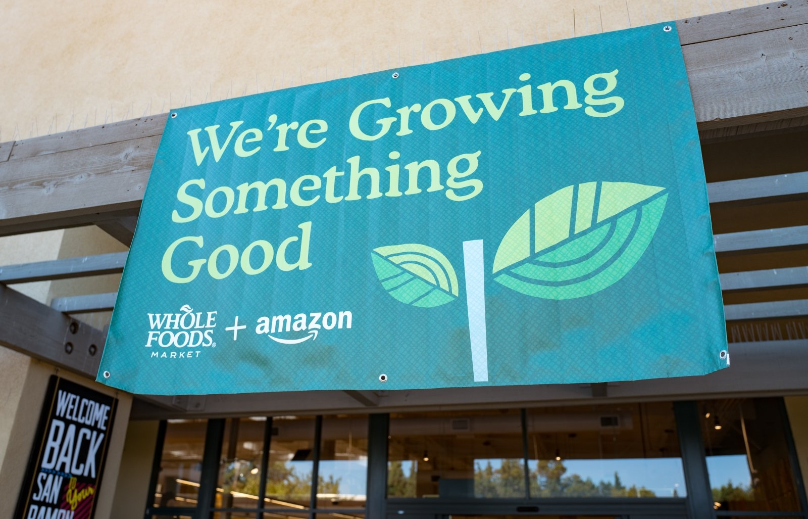 Amazon brings Prime discounts at Whole Foods to 10 more states | DeviceDaily.com