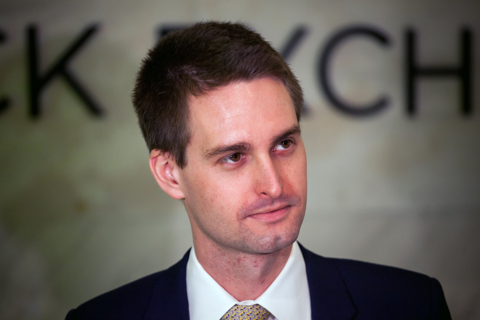 Snapchat CEO throws shade at Facebook's poor data practices | DeviceDaily.com