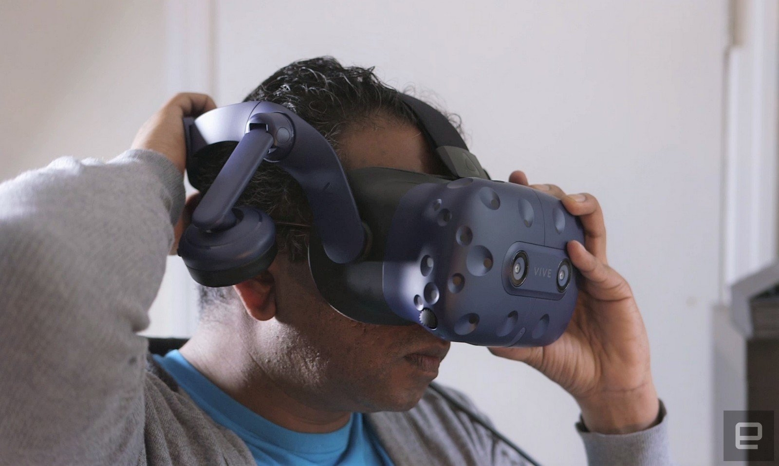 HTC hints at multi-room VR using Steam | DeviceDaily.com