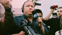Despite tech backlash, Twitter still won't ban Alex Jones
