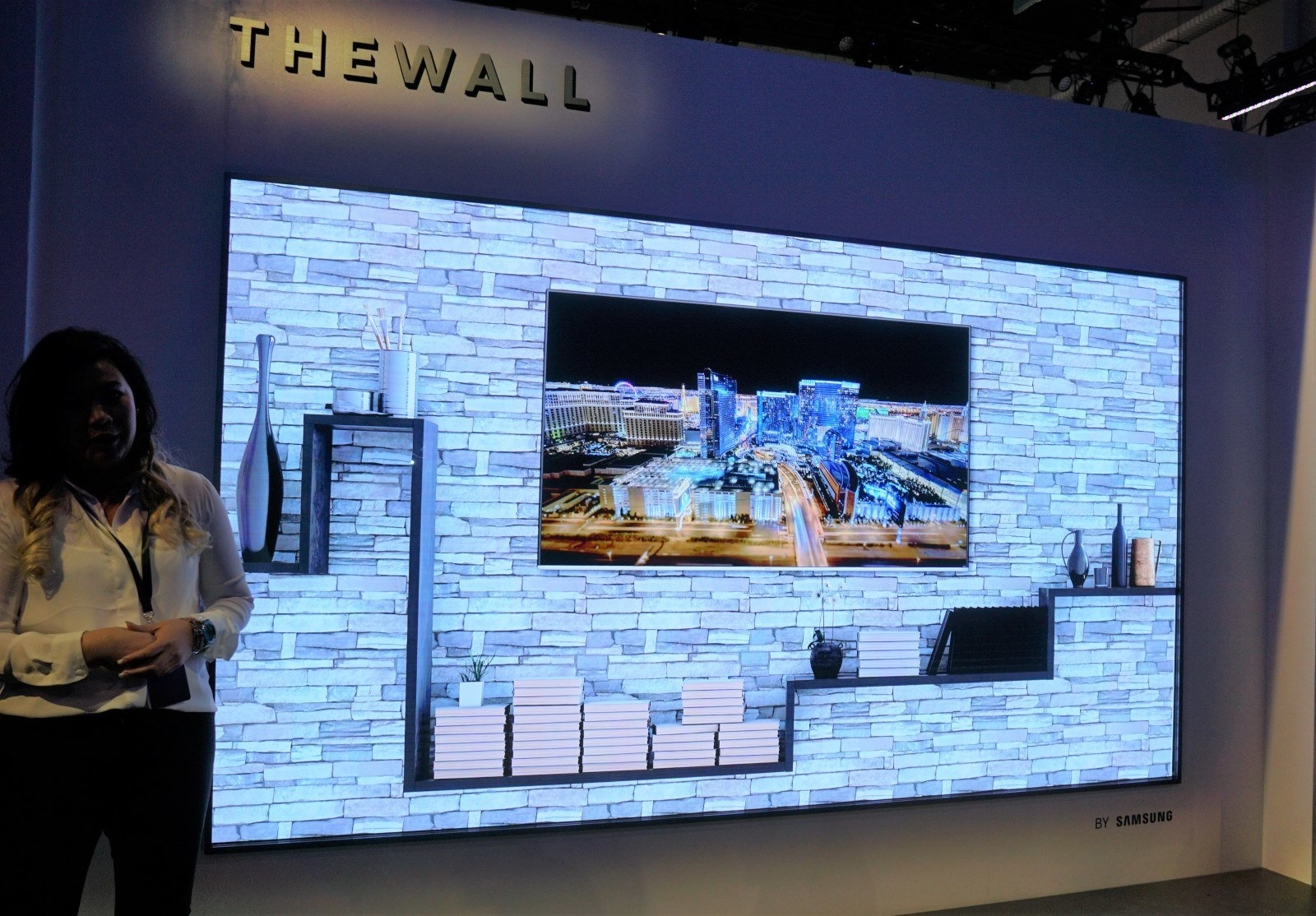 Samsung plans to turn 'The Wall' display into a home TV | DeviceDaily.com