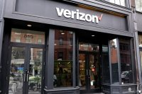 Verizon looks to Apple or Google for live TV over 5G
