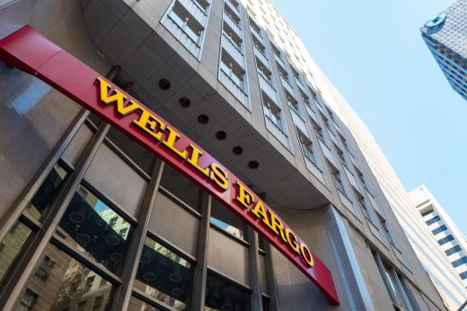 Wells Fargo says hundreds lost homes to computing 'error'