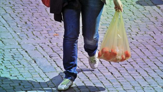 Kroger will get rid of plastic bags by 2025